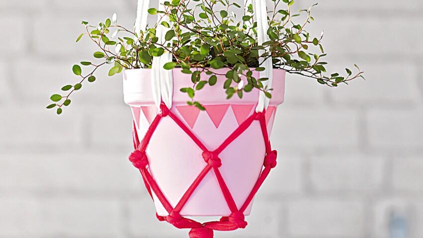 Jardin suspendu : décorer un pot au macramé