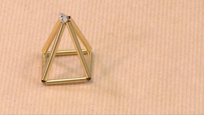 DIY : un collier pyramide 3D