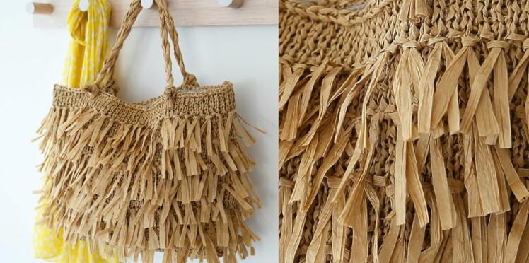 Le sac à franges en tricot
