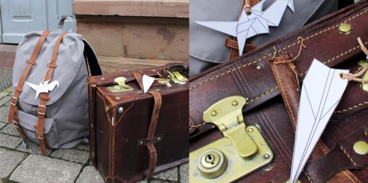 Des étiquettes à bagages origami