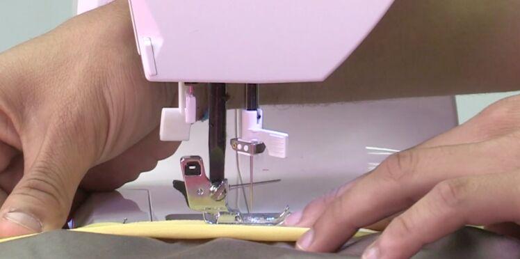 Apprendre la couture d'une ceinture sur une jupe