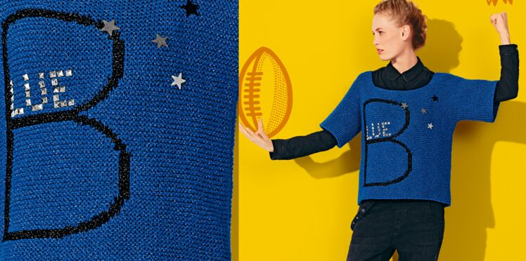 Le pull bleu au point mousse et jacquard