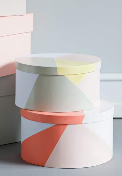 Une déco pastel et géométrique : les rangements multifacettes