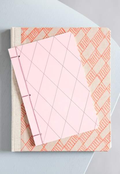 Une déco pastel et géométrique : les carnets graphiques
