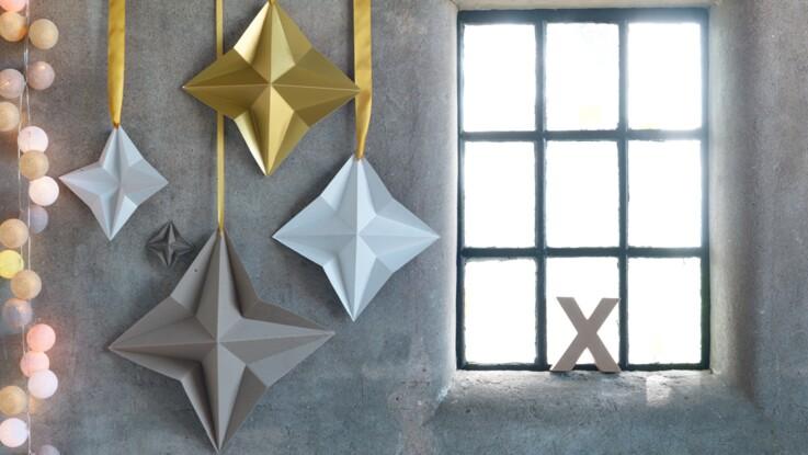 Une étoile de Noël en origami avec une seule feuille
