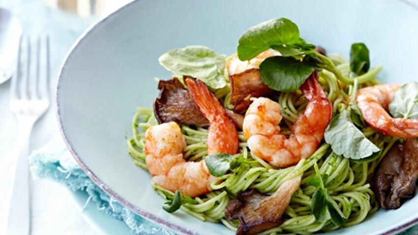 Spaghetti aux crevettes et pesto de cresson