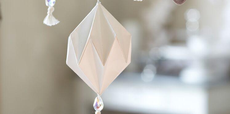Pliage de Noël : des suspensions en papier