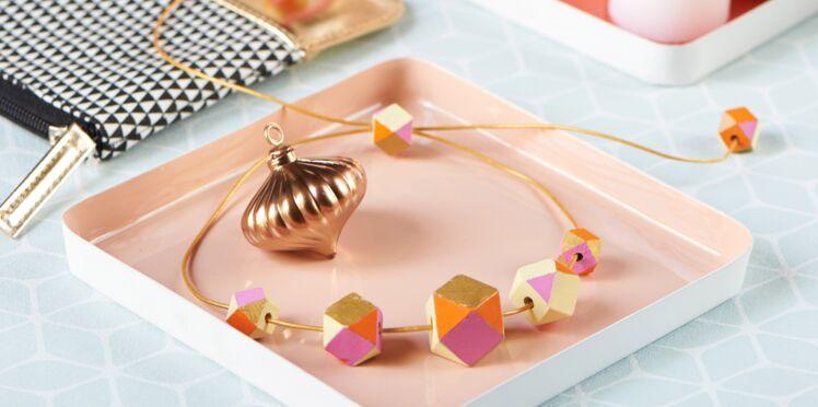 Accessoire tendance à offrir ce Noël : le collier graphique