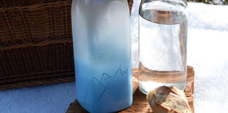 Décorations de Noël : bouteilles en verre dépoli