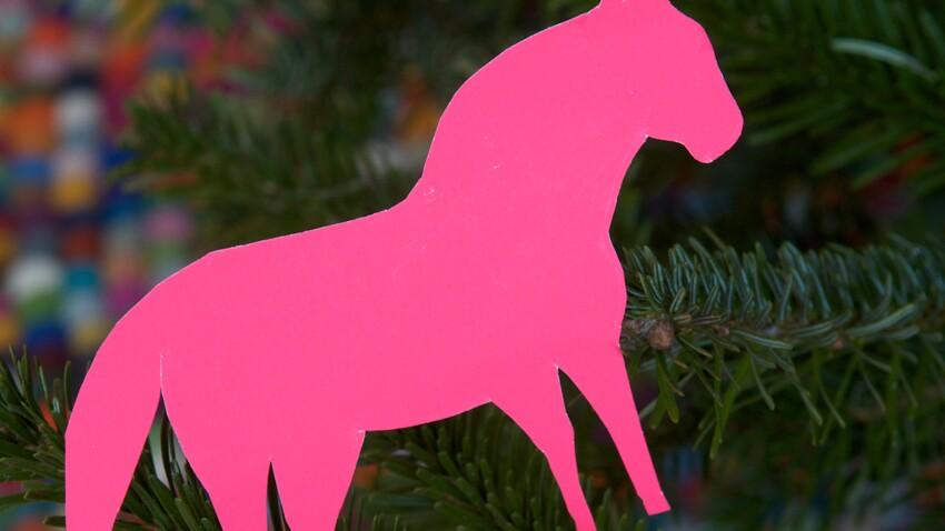 Activités manuelles de Noël : déco de sapin en papier