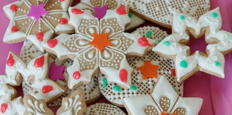 Recettes de Noël : sablés en forme d'étoiles et de flocons