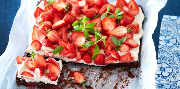 Gâteau aux fraises comme un brownie