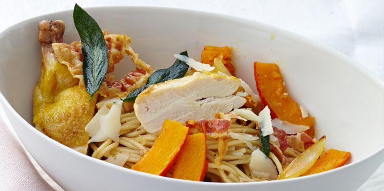 Spaghetti au poulet, bacon et sauge