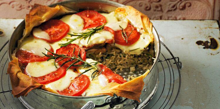 Tian de riz gratiné aux aubergines, tomates et mozzarella