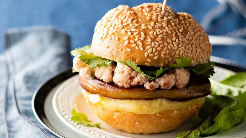 Mini burger de foie gras poêlé, crème de pomme de terre, pickles de chou par Nathalie Nguyen