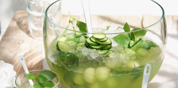 Cocktail sans alcool : Eau fraîche de concombre et melon vert au basilic thaï