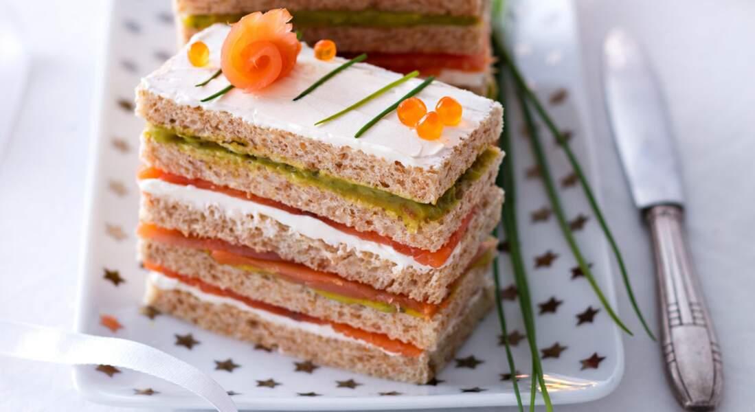 Un sandwich cake au fromage frais