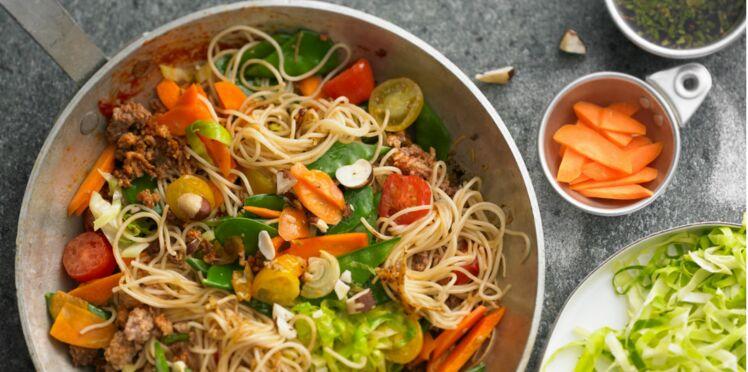 Wok de porc au gingembre et vermicelles de riz