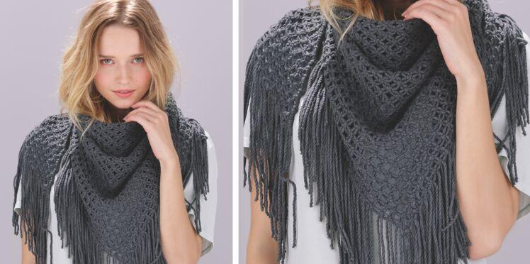 Un chèche de printemps à tricoter en macramé