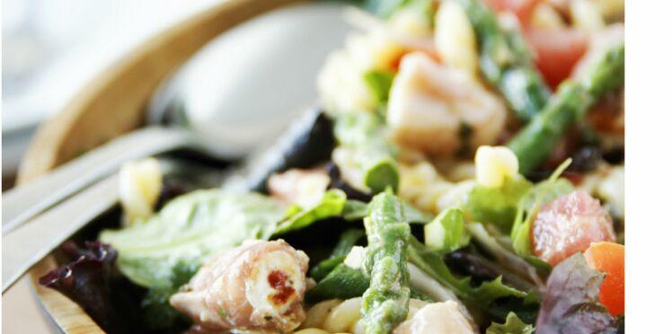 Salade de pâtes aux involtini de jambon cru et fromage frais