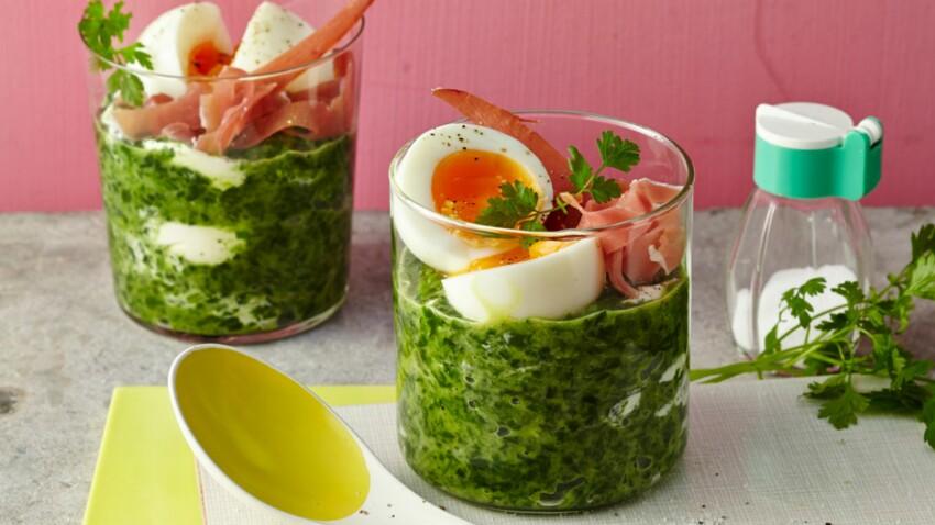Verrine d'œuf mollet aux épinards et jambon cru