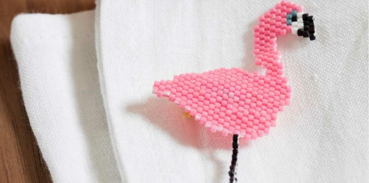 Broche flamant rose en perles