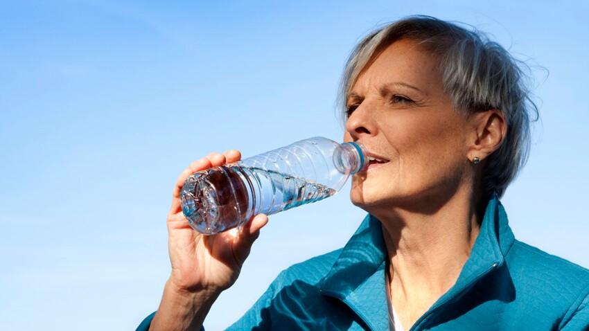 Des packs d'eau gratuits pour les seniors !