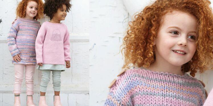 Le pull large en laine chinée