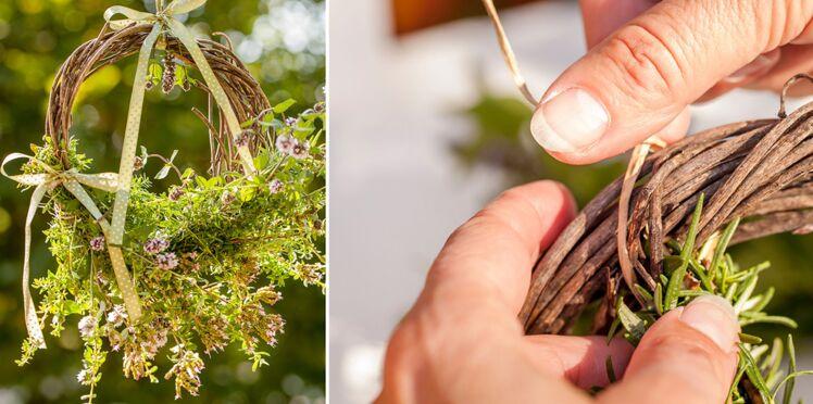 Une couronne d'herbes aromatiques