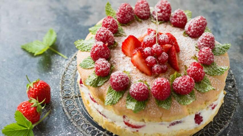 Gâteau aux fruits rouges express
