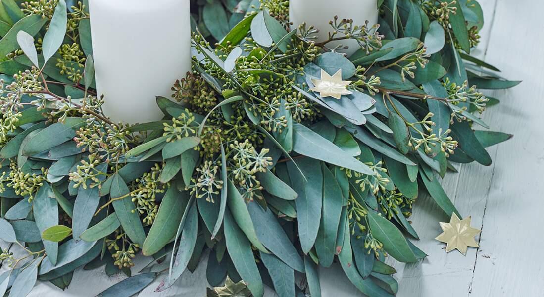 Une couronne centre de table en eucalyptus
