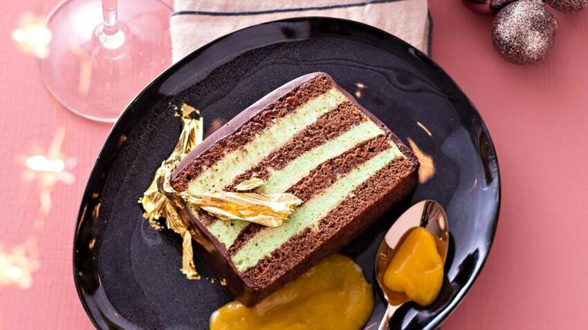 Bûche chocolat, thé vert et coulis mangue