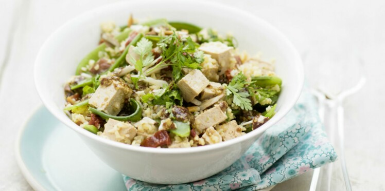 Salade au boulgour fin, tofu et amandes