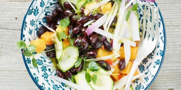 Salade exotique de haricots rouges à la mangue verte