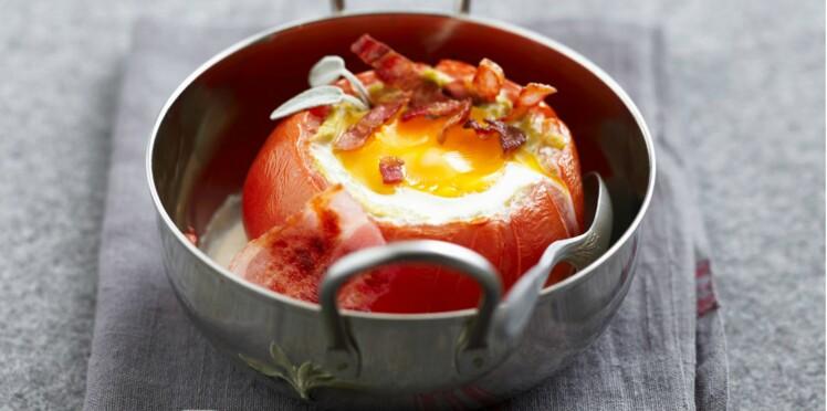Œufs cocotte en nid de tomate