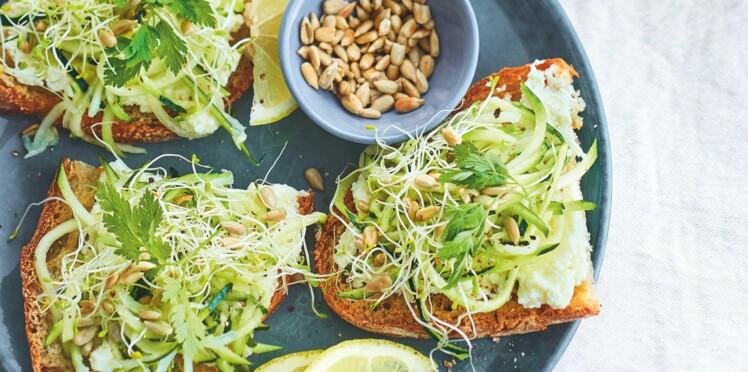 Tartines veggie aux courgettes crues