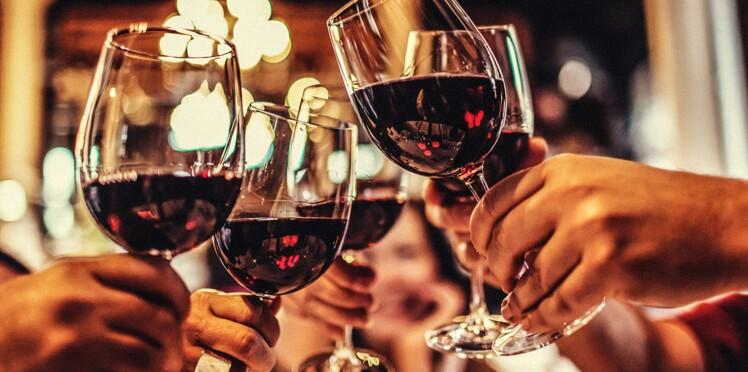 Cancer : un verre d'alcool augmente déjà le risque