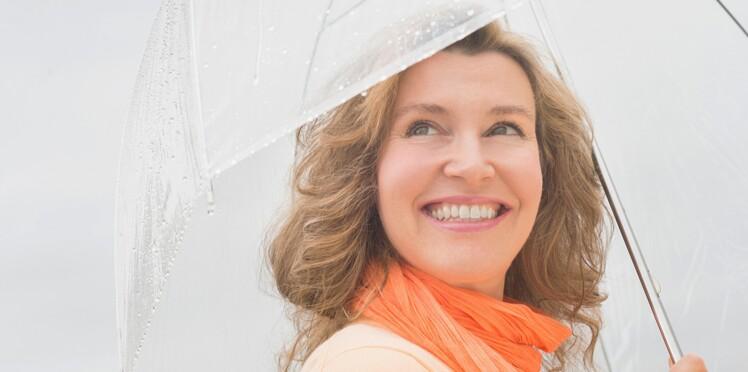 5 astuces pour sauver vos cheveux de l'humidité