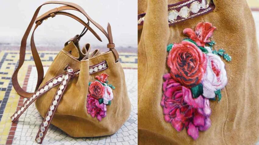 Le sac à motif fleuri