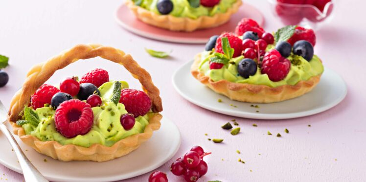 Tartelettes aux fruits et chantilly à la verveine