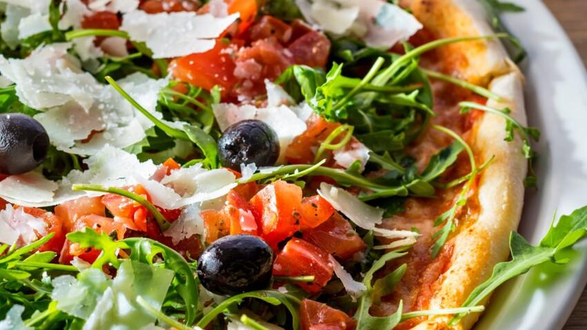 Pizza fraîcheur roquette-tomate à la mozzarella