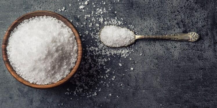 Excès de sel : le rôle des fruits et légumes en question