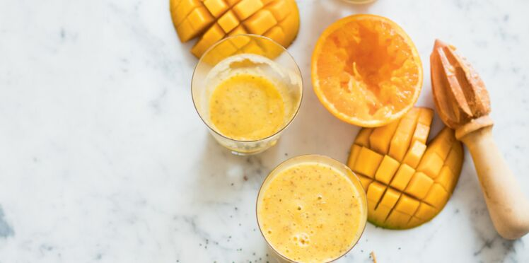 Smoothie de mangue aux dattes