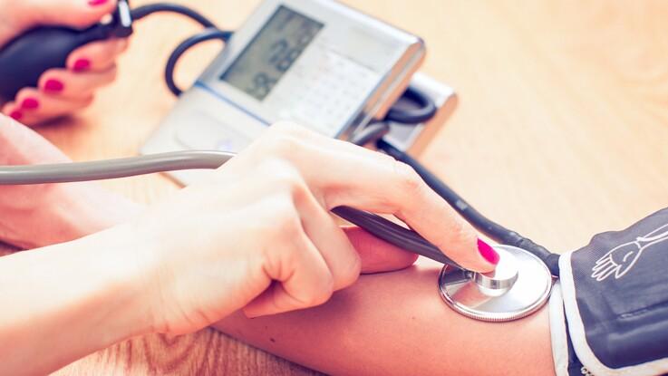 Hypertension à 50 ans : attention au risque de démence