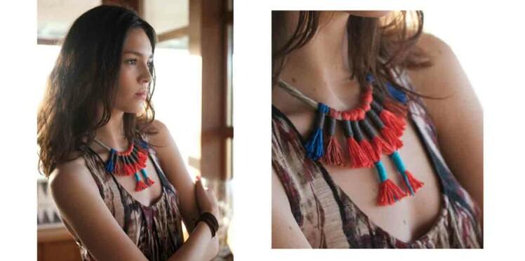 Le collier exotique en pompons