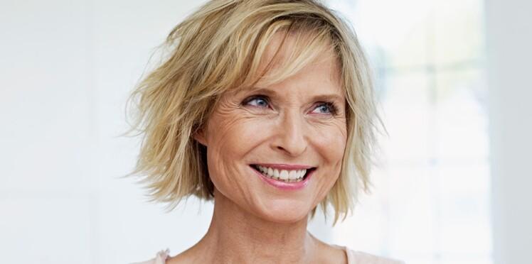 Cheveux : 10 astuces de pro pour rajeunir son look