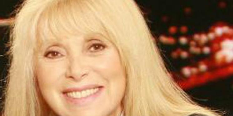 Mireille Darc soutient les personnes âgées