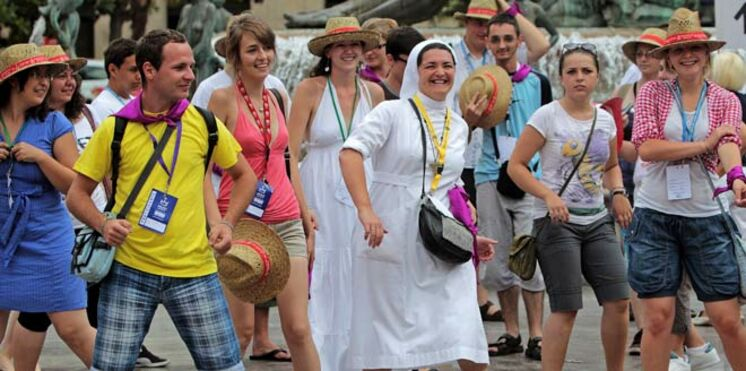 Pourquoi autant de jeunes rassemblés pour voir le pape à Madrid ?