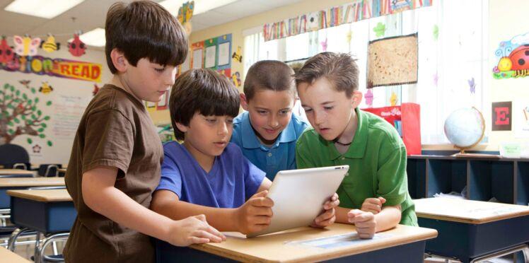 Des tablettes numériques à l'école primaire