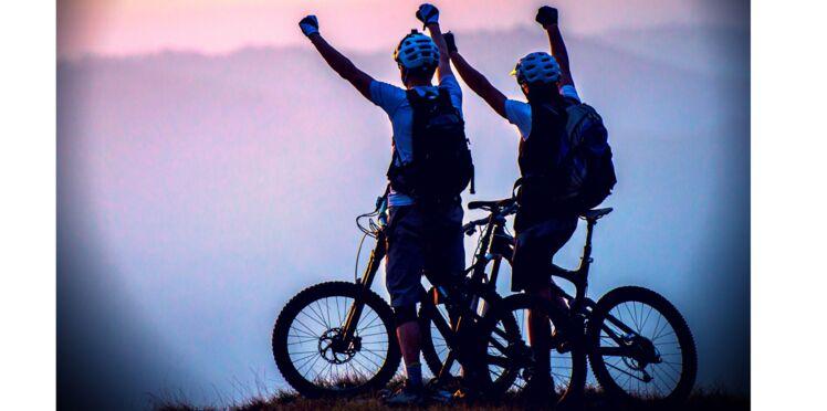 Elle parcourt l'Asie à vélo pour sauver sa meilleure amie